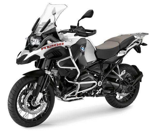 Inédita moto BMW rival da Harley-Davidson escapa em